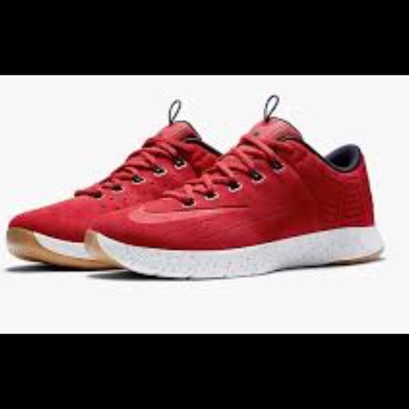 Nike Men's Lunar Hyperrev Low EXT NWOB SZ 6.5